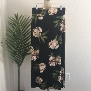 Floral double side slit maxi skirt sz M